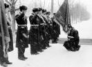 Расформирование 35 ПЛАД. Генерал Новиков прощается со знаменем дивизии. Декабрь 1994
