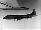 P-3 Orion из эскадрильи VP-8 (авиабаза Keflavik) сопровождает Ту-95РЦ. Северная Атлантика.