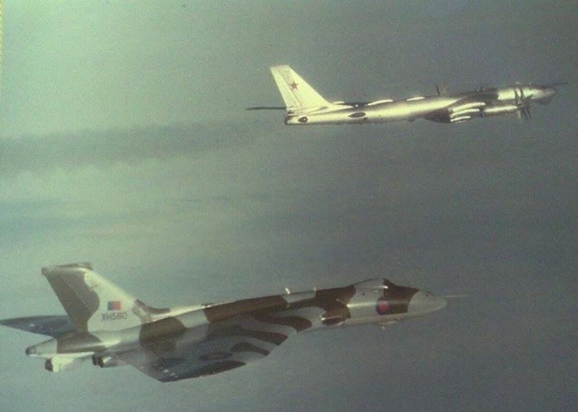 AvroVulcanTu-95Rts.jpg